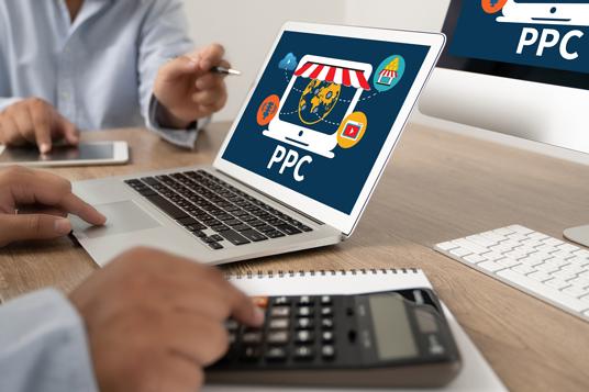 Budget Google Ads - une photo qui montre u ordinateur affichant les CPC
