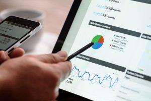tablette avec des outils statistiques